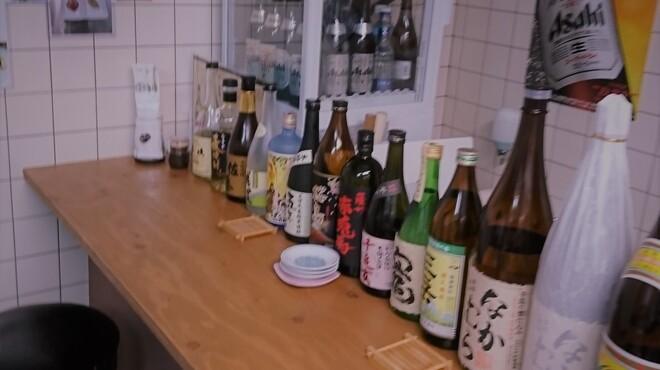 """帰去来 - ドリンク写真:芋焼酎""""なかむら""""や麦焼酎""""佐藤""""など銘酒がすべて380円です。"""