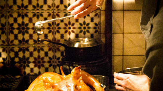ばる あらら - 料理写真:パーティ料理に仔豚の丸焼きはいかがでしょうか。盛り上がること間違い無し。