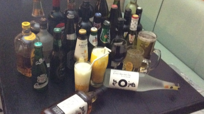 New Delhi Spice - ドリンク写真:お酒もたくさん あります。