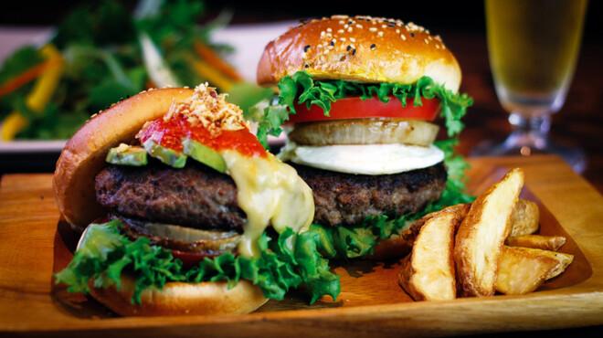 グリル フクヨシ - 料理写真:とろける100%ビーフバーガー