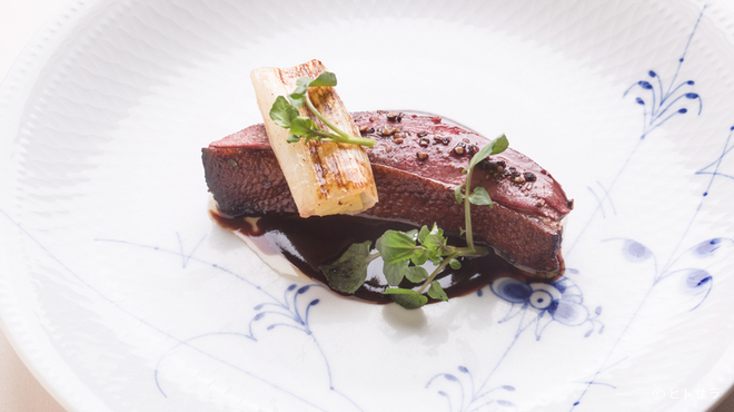 リストランテ ラ・バリック トウキョウ - 料理写真:ジビエらしい力強い旨みが広がる『鴨のロースト』
