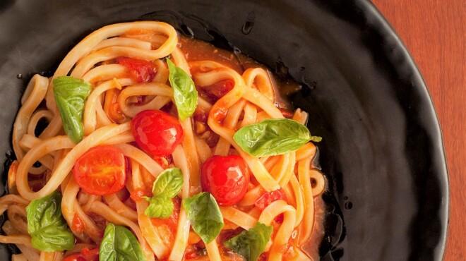 あんぷく - 料理写真:『フレッシュトマトとバジルうどん』