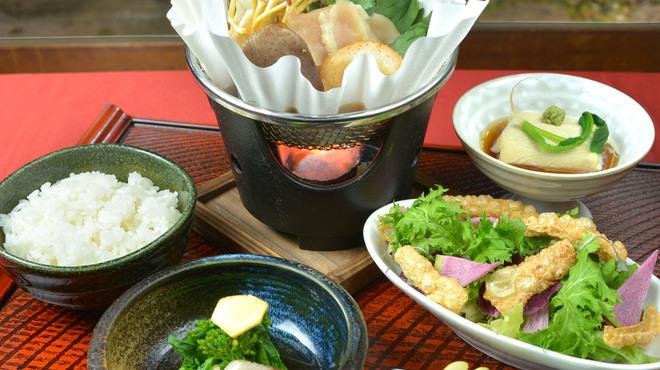 神楽坂 おいしんぼ - 料理写真:寒い日にはすき焼き御膳