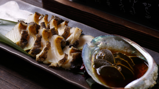炉端焼レストラン 志古津 - 料理写真:焼き蝦夷鮑