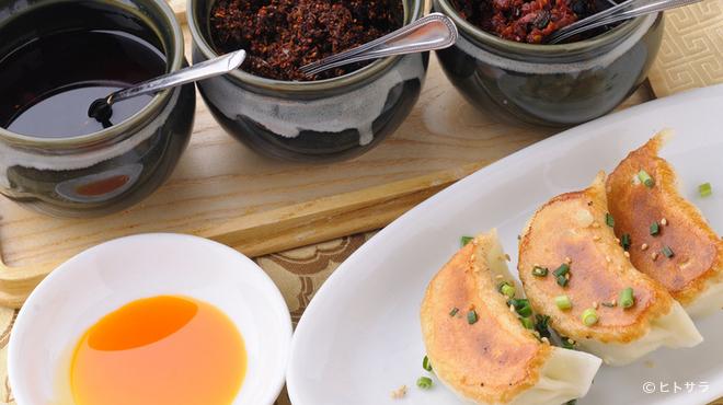 巧匠 - 料理写真:定番だからこそこだわりたい『焼餃子』
