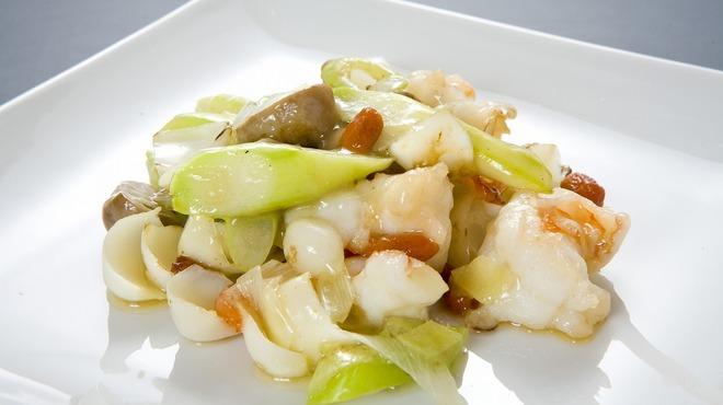 中国料理 龍鱗 - 料理写真:大海老と百合根の塩麹炒め