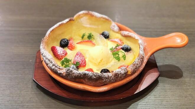 ウイラニ - 料理写真:期間限定:苺とバニラアイスのダッチベイビー