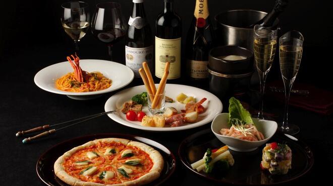 ザ・ワインバー - 料理写真:おいしいお料理とワインと夜景と共に!!