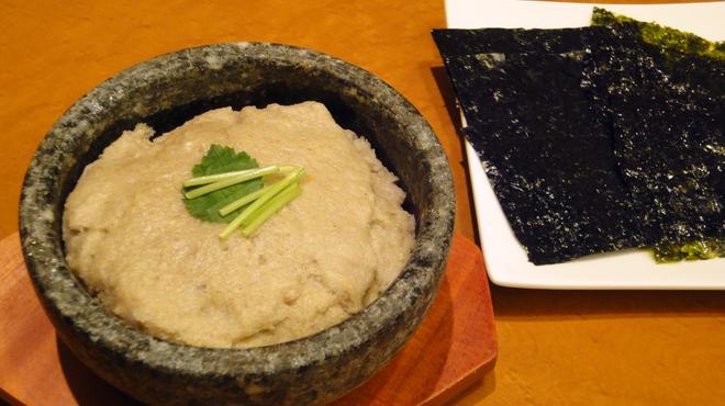 あじめん - 料理写真:醤油を垂らして、香ばしさUP!蕎麦の風味をお楽しみ頂けます【焼き蕎麦がき】