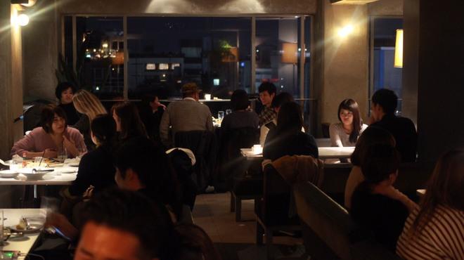 エース カフェ - メイン写真:
