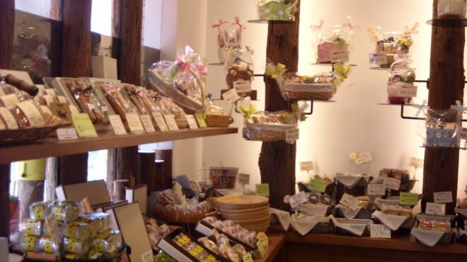 メリメロ - 内観写真:店内 焼菓子