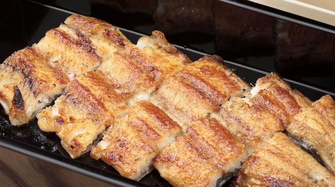 ひつまぶし和食備長 - 料理写真:高級みりんで仕上げる備長オリジナルの白焼。