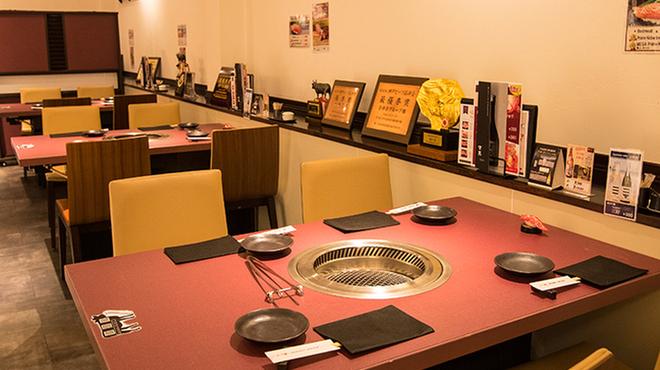 神戸牛焼肉 神戸たん龍 - メイン写真: