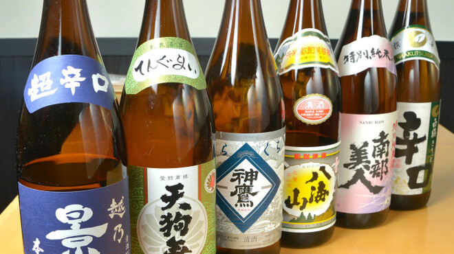 神楽坂 久露葉亭 - ドリンク写真:店長厳選の日本酒6種を飲み放題で!