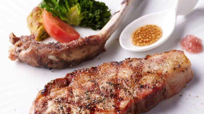ジャッジョーロ銀座 - 料理写真:群馬県産和豚もち豚の炭火グリル