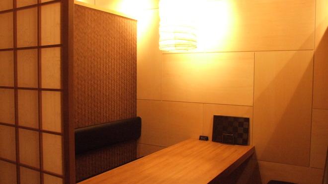 いろいろ - 内観写真:1階はテーブル個室になってます。和の温かさをイメージ☆