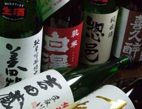 創作和風料理 荻窪 卯 - ドリンク写真:厳選された、たくさんの日本酒あります