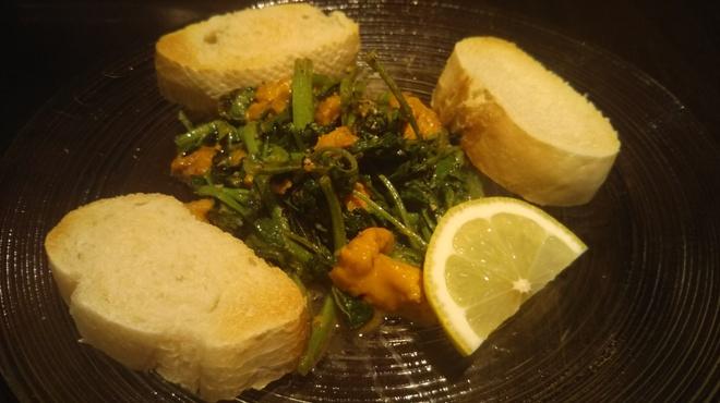 タパスマニア - 料理写真:雲丹とクレソンのアラプランチャ パンにのせてお召し上がりください