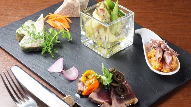 オブスキュール - 料理写真:前菜5種盛