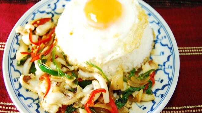 タイ料理専門店 TAI THAI - 料理写真:ガッパオプラムックカイダオ