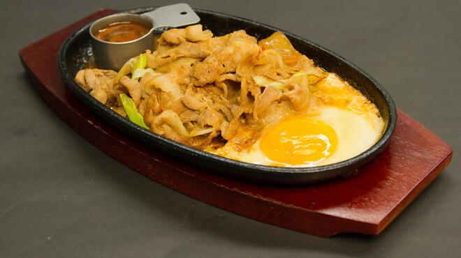 RYOMA本店 - 料理写真:スタミナ鉄板