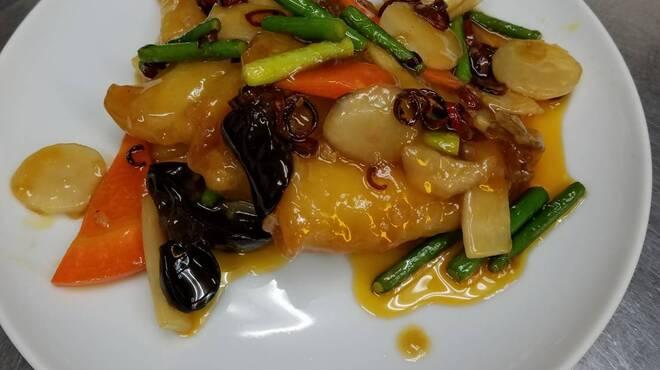 アイニーズ - 料理写真:キスのフリッター赤唐辛子炒め