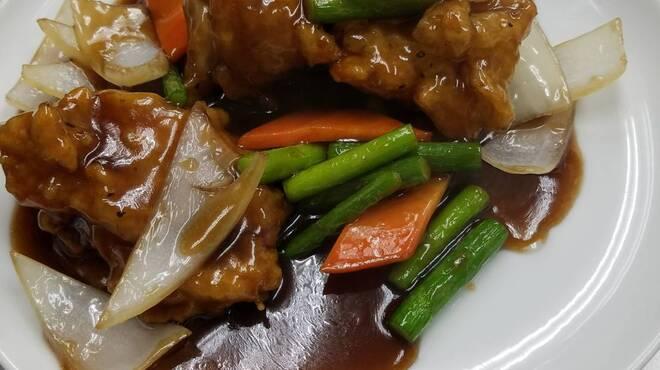 アイニーズ - 料理写真:鶏肉の唐揚げ黒酢あん