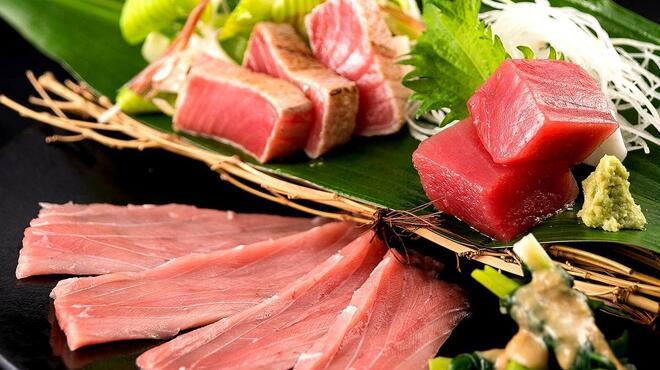燦 - 料理写真:鷹島生本まぐろ尽くし造り盛り合わせ