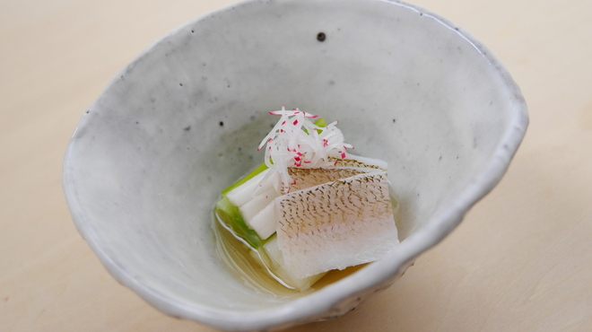 そば会席 立会川 吉田家 - 料理写真:うるいと鱚(きす)昆布〆の生姜酢