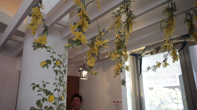 ラ・スコリエーラ - 内観写真:テンペラ画のレモンが、清々しくていい感じ