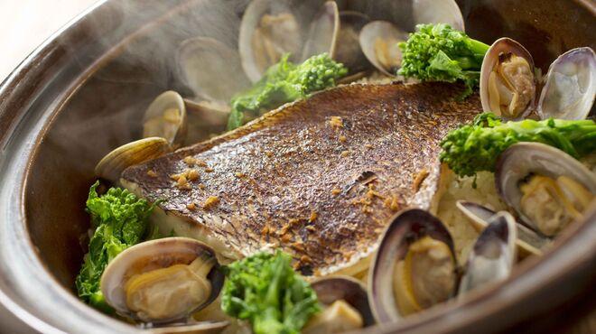 日本橋 墨之栄 - 料理写真:鯛と浅利の土鍋ご飯