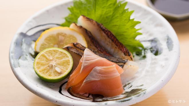 あさひ奈 - 料理写真:旬の鮮魚を寿司以外でも味わいたい『お造り』