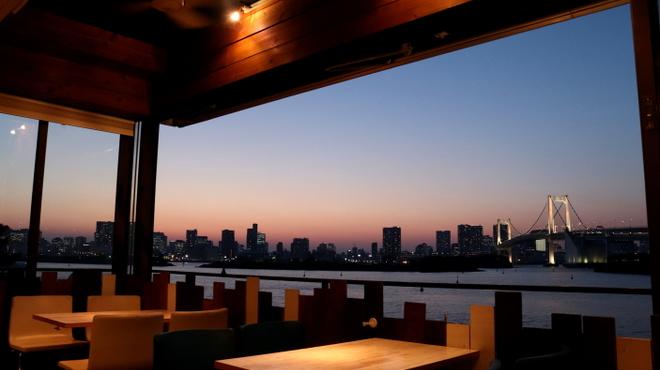 BLUE TABLE - メイン写真: