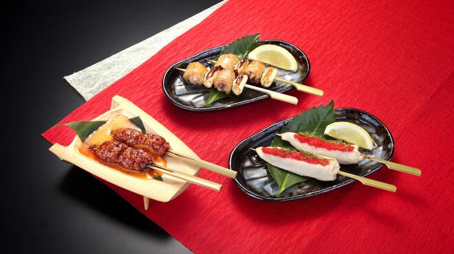 鳥銀本店 - 料理写真:人気の名古屋コーチンの串焼きも多数取り揃えております。