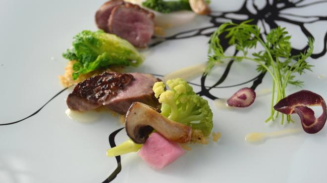貴匠桜 - 料理写真:鴨ロースの軽い燻製 山椒クリームソース