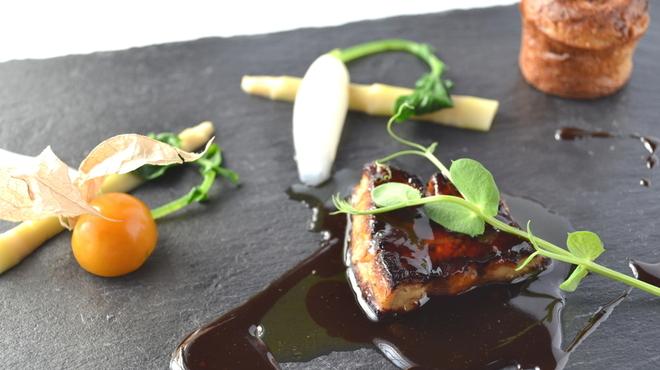 貴匠桜 - 料理写真:ハンガリー産鴨のフォアグラソテー ブラッドオレンジのソース 桜エビのガトー
