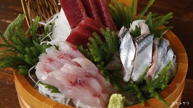 こっこのすけ - 料理写真:鮮度抜群の『刺身三点盛り合わせ』