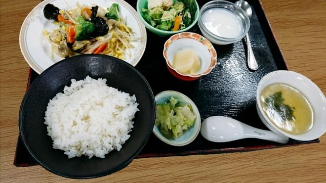 中国料理 杏花飯店 - 料理写真:週替りランチ