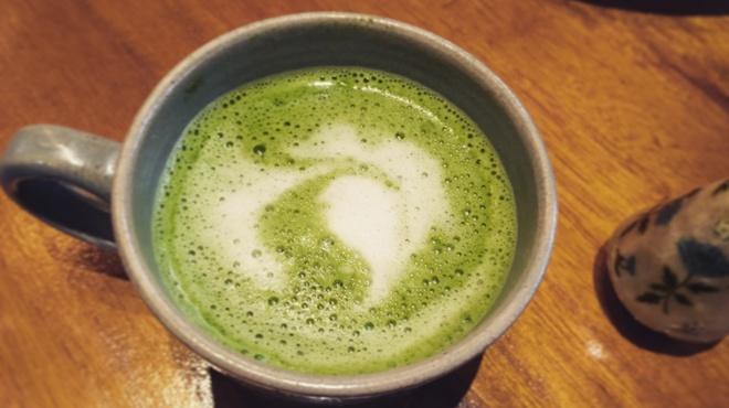 ソイソイカフェ - ドリンク写真:静岡産の抹茶オレは苦味もしっかりとした味わい。