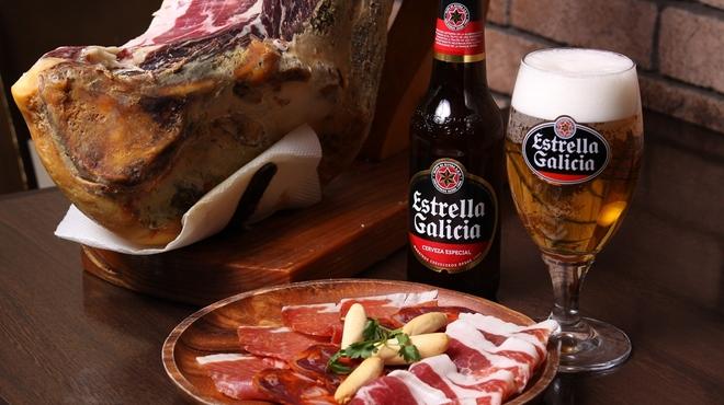バル・セレス - 料理写真:生ハム3種盛り合わせ(セラーノ)、イベリコ、チョリソ