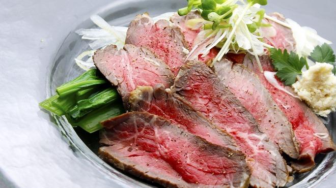 北○ - 料理写真:【GW限定/ガッツリ肉祭り/30%無料増量】新得トムラウシ・ジャージー牛の、ローストビーフ 980円