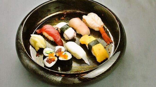 大阪 梅田 花火寿司 - メイン写真: