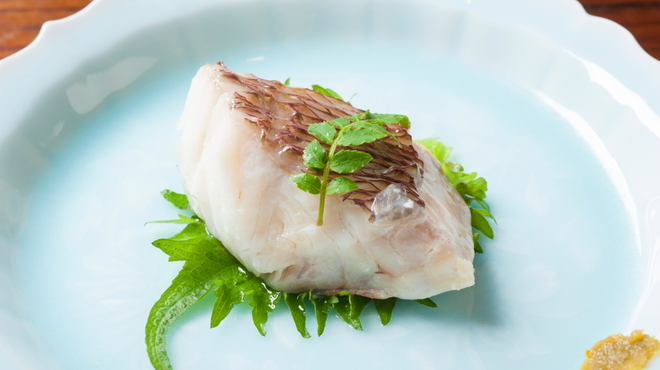 喜の字 - 料理写真:天然真鯛の三五八漬け蒸し