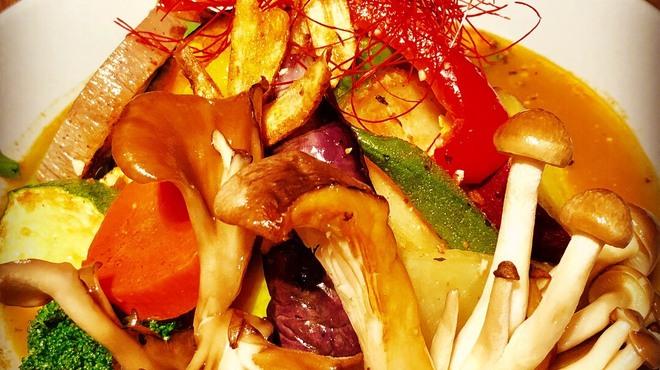 無添加薬膳スープカレー COSMOS - メイン写真: