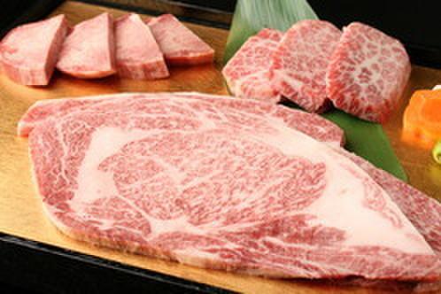 六歌仙 - 料理写真:特上肉盛り合わせ