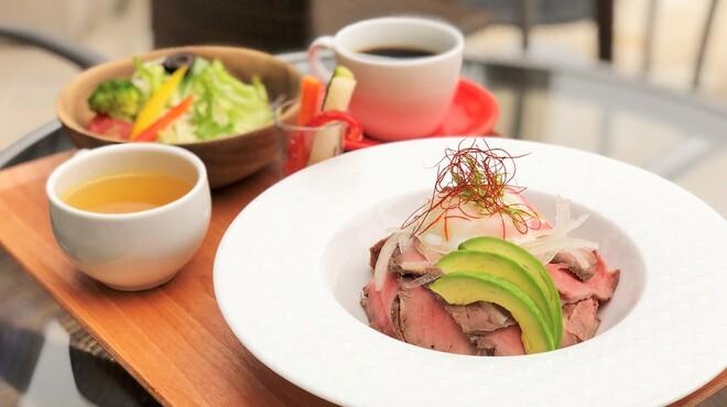 ウイラニ - 料理写真:ローストビーフ玉子かけ丼