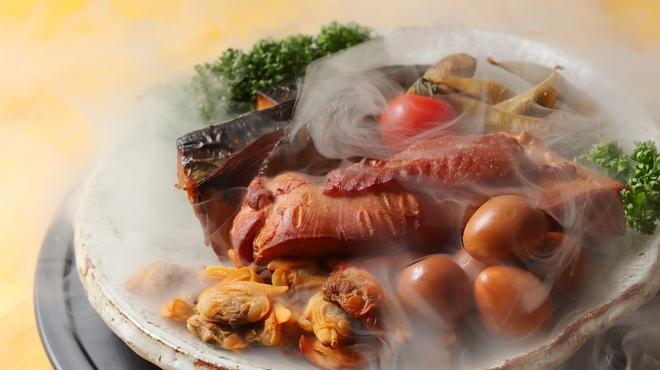 幸福亭 肉と魚と燻製のバル - メイン写真:
