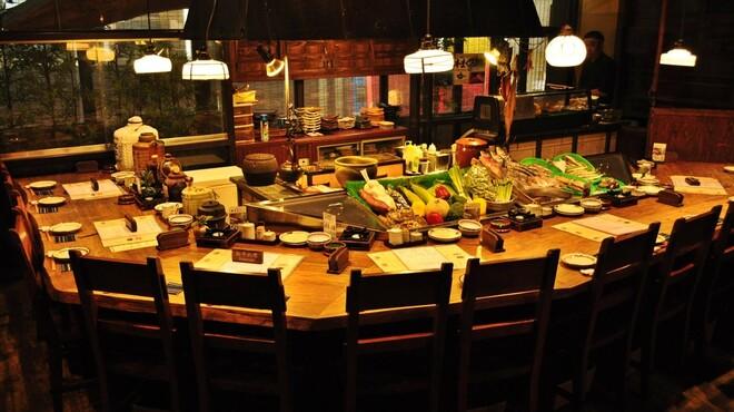喜多よし - 内観写真:旬のお魚、お肉、野菜を目の前で調理!職人技を是非ご堪能あれ!