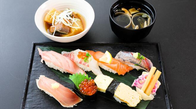 江戸前寿し食べ放題 漁師料理の店 うみめし - メイン写真: