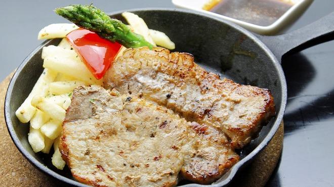 キタバル - 料理写真:【5月のSPECIAL MENU】十勝マスターホエー豚のトンテキ 780→680円